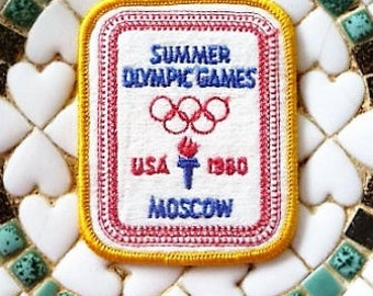 1980 - Summer Olympics Souvenir Patch   ...  USA & Moscow , Olympic Rings --  Collect it !