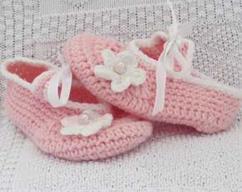 Crochet baby shoes, Pink baby girl shoes