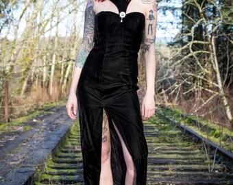 VINTAGE 1990's Goth Chic Women's Crushed Velvet Dress