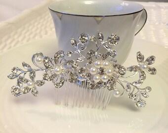 Bridal Hair Comb, Wedding Hair Comb, Pearl Hair Comb, Flower Hair Comb, Floral Hair Comb, Pearl Hair Accessories, Wedding Accessories