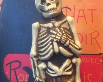 Primitive Halloween skeleton