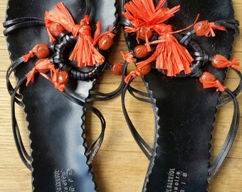 ACCESSORY Sandals tong black beads and rafia orange 41 TBE