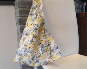 folding tote bag, reusable tote bag, market bag, shopping bag, eco-friendly bag, shoulder bag, white travel bag with dandelion print