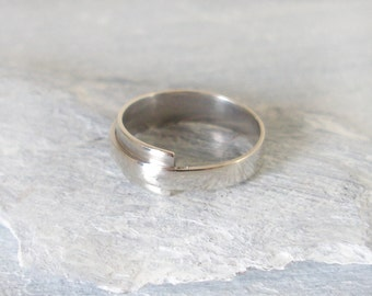 Sterling Silver Wrap-over  Ring - Silver Band- Free UK Shipping