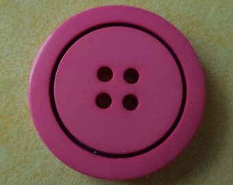 8 large pink buttons 26mm (2049)