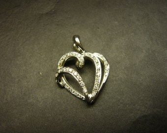 18 ct white gold pendant with diamonds