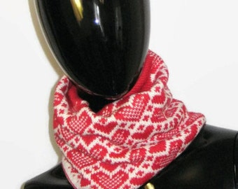 Red knit scarf infinity Red heart loop knit snood Circle scarf White neck warmer Knit warm handmade scarf Valentines Day Gift Love for her