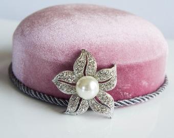 Flower Pearl Wedding Brooch, Crystal Brooch, Wedding Accessories, Silver Color Rhinestone Brooch, Vintage Brooch, Bridal Brooch