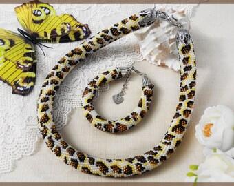 Beaded necklace Beaded bracelet Brown jewelry set Brown bracelet Brown necklace Beaded animal necklace Leopard necklace Leopard bracelet