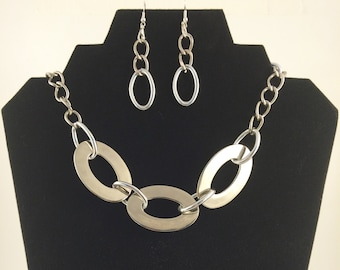 Silver chain necklace and earring set