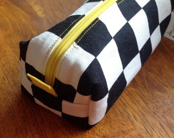 Chequered pencil case with yellow lining, box style