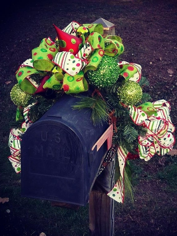 Christmas Mailbox Swag Topper