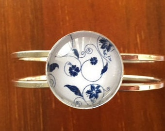 Blue and White Glass Flower Cuff Bracelet Bangle