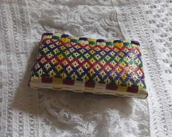 A nifty purse made by natural bulrush