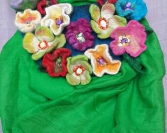 Felt necklace, necklace of felt with flowers, felt flowers, felted flowers with embroidery stones