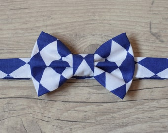 Bow tie Baby boy Birthday bow tie Wedding bow tie Toddler bow tie Baptism Page boy bow tie White Navy Harlequin Print