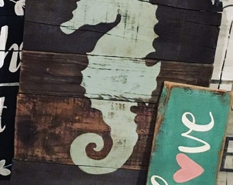 Seahorse Silhouette Pallet Sign, Hand painted Seahorse, Rustic Wood Sign, Nautical Wood Sign, Custom Pallet Sign