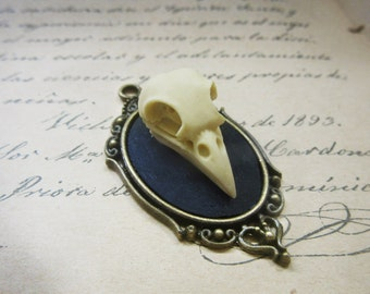 Resin skull cameo pendant steampunk-20 x 40 mm dark bird