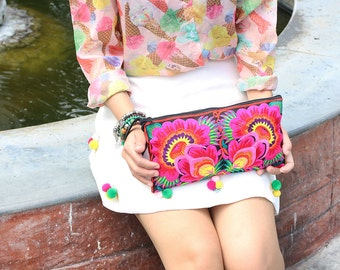 Cutie Flower Clutch With Embroidered Fabric