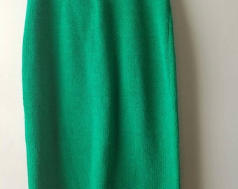 Vintage 1980s / Emerald green / skirt / knit / sweater /elastic waist / pencil / high waist / sz medium