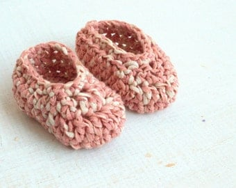 Baby Girl Shoes . Baby pink booties .  Baby loafer crochet shoes. Baby girl ballerinas . Baby shower gift . New baby gift