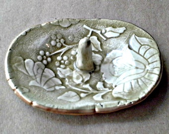Ceramic Ring Holder Sage green edged in gold