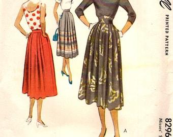 McCall 8296 Feminine Soft Pleated Skirt Contour Waistband Waist 30 ©1950
