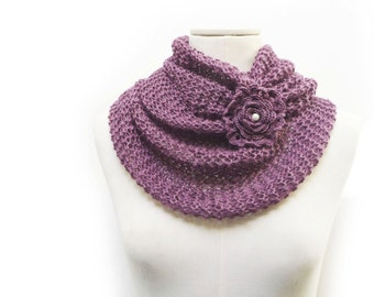 Infinity Scarf / Chunky Knit Scarf / Knitted Shawl / Loop Scarf / Cowl Scarf - Plum Purple Mauve wool and linen yarn with flower button