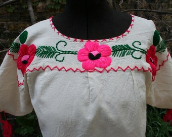 Vintage Mexico Mexican cotton blouse and skirt set long L XL large extra large pink flowers embroidered