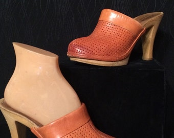Vintage 70's leather clogs heels size 8 made in Italy summer shoes