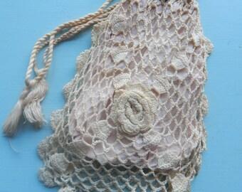 Edwardian crochet reticule / antique 1910s purse / vintage crochet wristlet bag