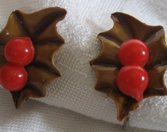 Set of VINTAGE Plastic Christmas Holly Berry Costume Jewelry Earrings
