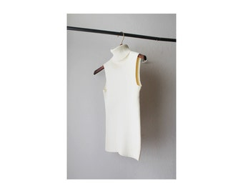 1990s Ribbed Turtle Neck Sleeveless Off White Sweater