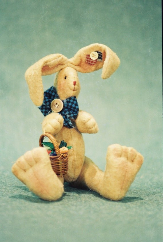 Mailed Cloth Doll Pattern  Cute little 11in sitting Bunny Rabbit