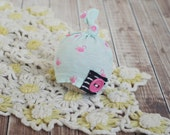newborn baby hat // top knot hat //  photo porp // newborn photography // shabby chic // baby girl // flamingo // summer prop // black pink