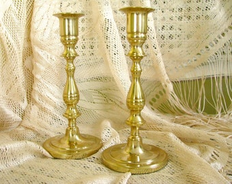 Vintage Brass Candlesticks Pair Candle Stick Holders Traditional Colonial Farmhouse Tabletop Mantel Home Decor