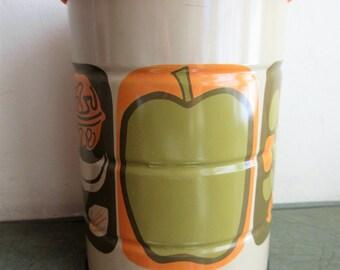 Vintage Tin, Mod Tin, Stylized Fruit Images, Vintage Coffee Can, Lidded Tin, Plastic Lid, 1970s Lidded Tin, Lidded Can, Groovy Mod TIn Retro
