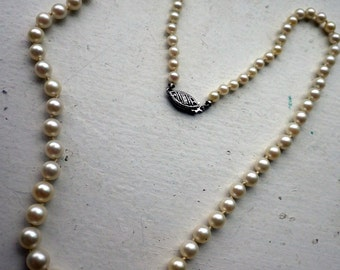 Vintage Genuine Pearl Necklace - 14k White Gold Clasp - 18 inches long - Graduated.