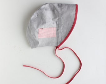 BEATRIX JONES ---x--- Little people sun Bonnet 'Pamplemousse Cloud' made from vintage fabrics - 6 - 12mths, 1 - 2yrs