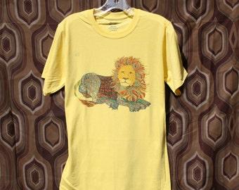 Yellow Lion T-Shirt Crew Neck Unisex Graphic Tee Animal Clothing Safari Africa Savannah