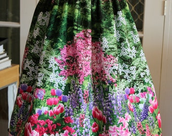 1950' s  Styled Gathered Skirt . Floral Border Scenic print
