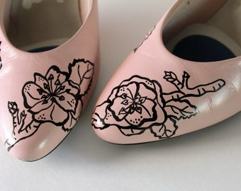 Vintage Pink Heels / Wedding Shoes / Prom Shoes / Painted Shoes / Pink Shoes / Pretty in Pink / High Heels / Pumps / Vintage High Heels