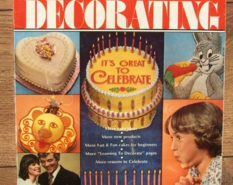 vintage 1979 Wilton cake decorating yearbook