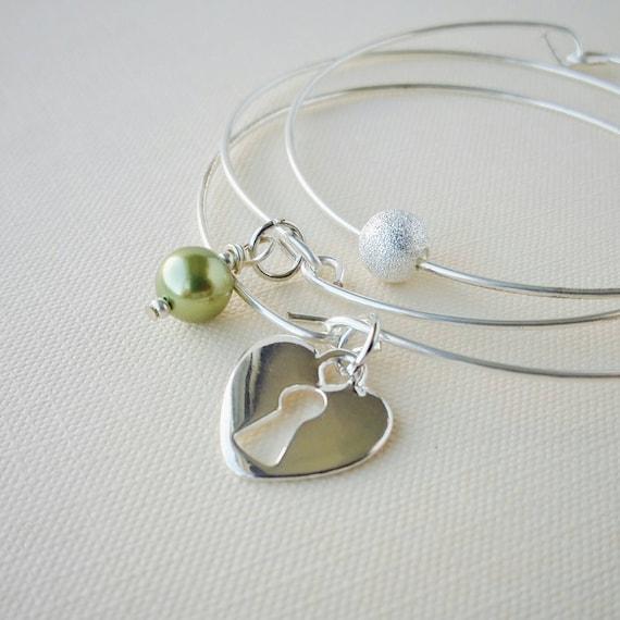 Bracelet Set . Light Green and Heart Keyhole Silver Stacking Bangles . Bridesmaid Bangle Set . Bracelet Stack Gift Set