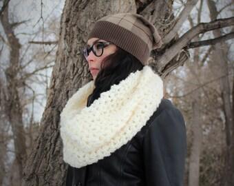 Chunky cream Cowl / Scarf - Luxurious fluffy material. Handmade winter accessory.