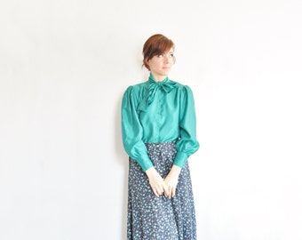 daisy print maxi skirt . high waist ditsy floral pattern .medium.large.extra large.xl .sale s a l e
