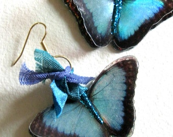 beautiful butterfly earrings... lovely printed images of butterflies-aquamarine with spots