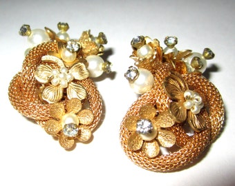 STUNNING Clip Earrings Unmarked in the style of Miriam Haskell Seed Pearls, Rhinestones, Gold Mesh Braid, Hand-wired
