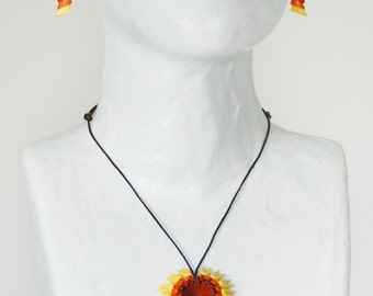 Sun - necklace and matching earrings