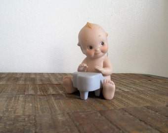 Vintage Enesco Porcelain Piano Playing Kewpie Angel